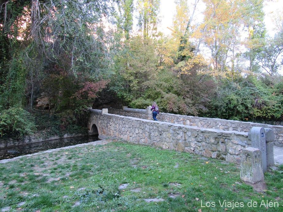 Puente de la judería de Segovia