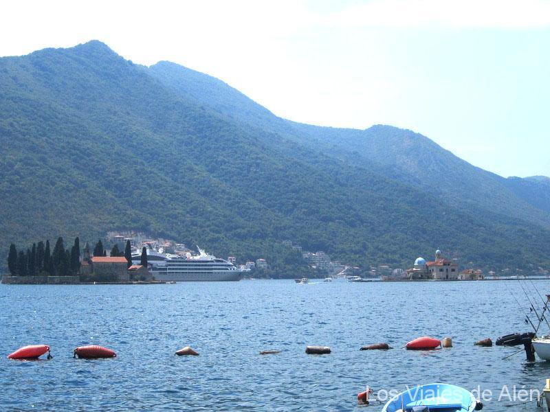 fiordo de Kotor (Montenegro)