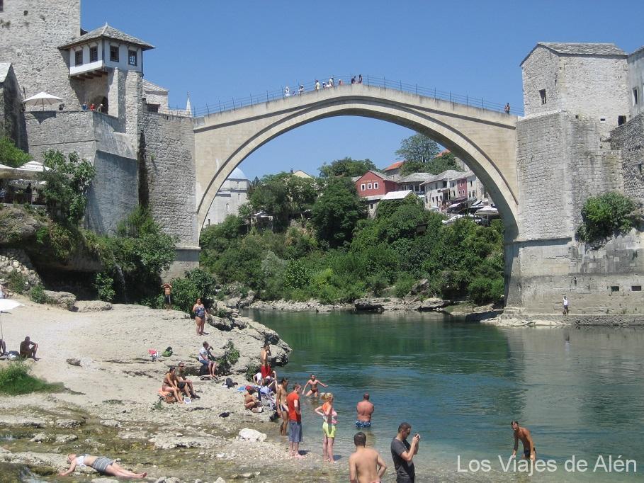 bañandose en Mostar