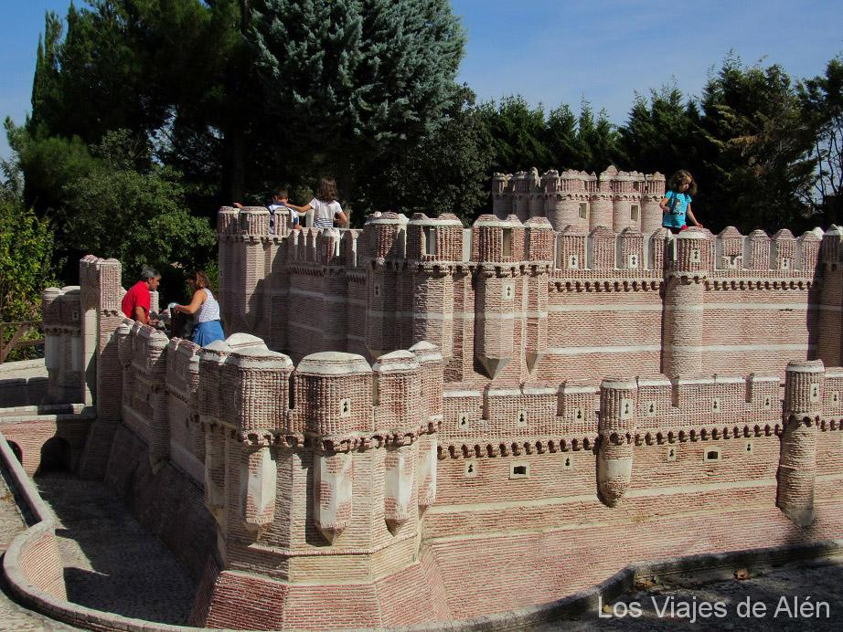 Réplica Del Castillo De Coca