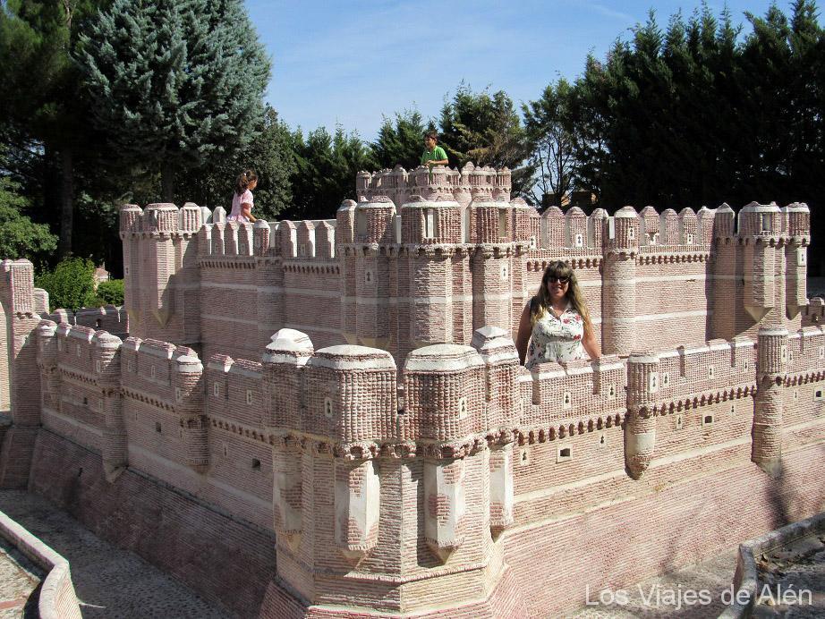 Castillo De Coca En Miniatura