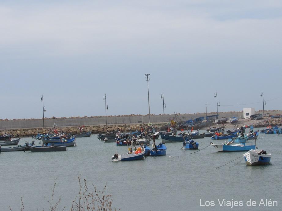 Pequeños Barcos Pesqueros Del Puerto De Asilah