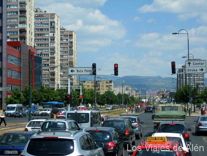 Avenida de entrada a Sarajevo