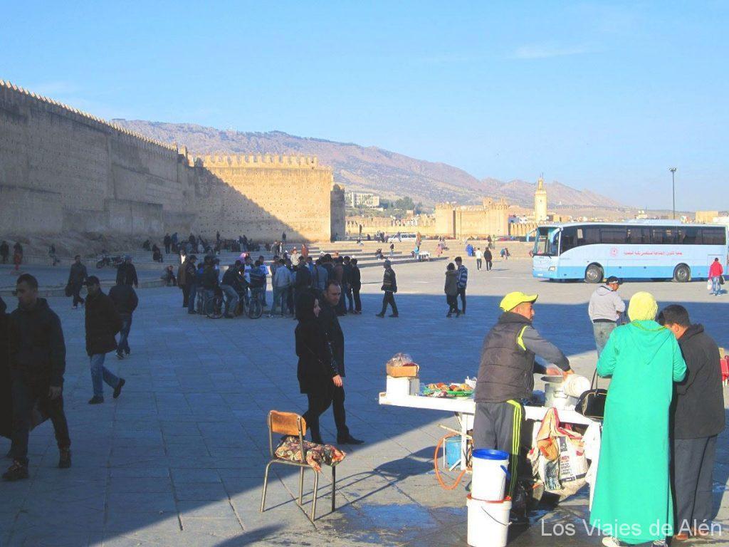 plaza de entrada a Fez