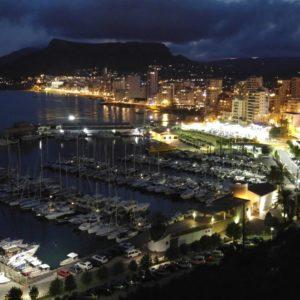 Vista Nocturna Del Puerto De Calpe
