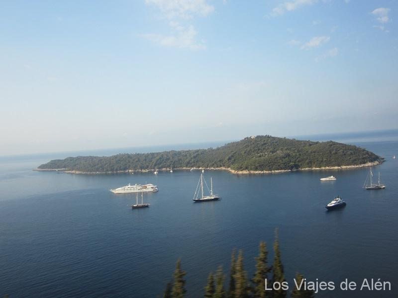 Panorámica De La Isla De Lokrum, Con Forma De Pez