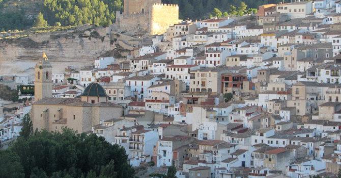 Alcalá Del Júcar (Albacete): Pura Postal Entre Madrid Y Valencia