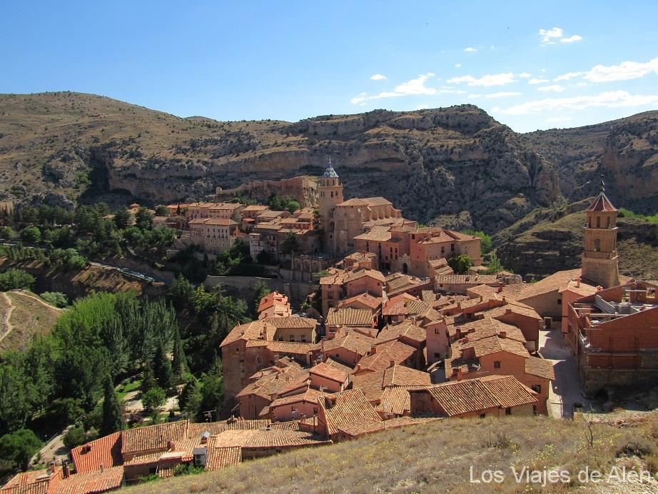 Vista De Albarracín, El Pueblo Más Bonito De España, Desde Sus Murallas
