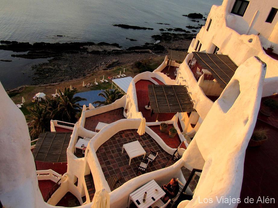 Terrazas de los apartamentos de alquiler en el hotel Casapueblo