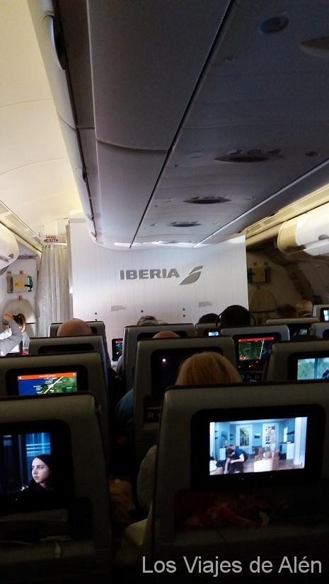 Vista del interior de la cabina de nuestro avión