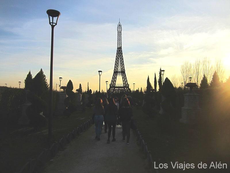 Parque Europa Parque Europa: Torre De Eiffel