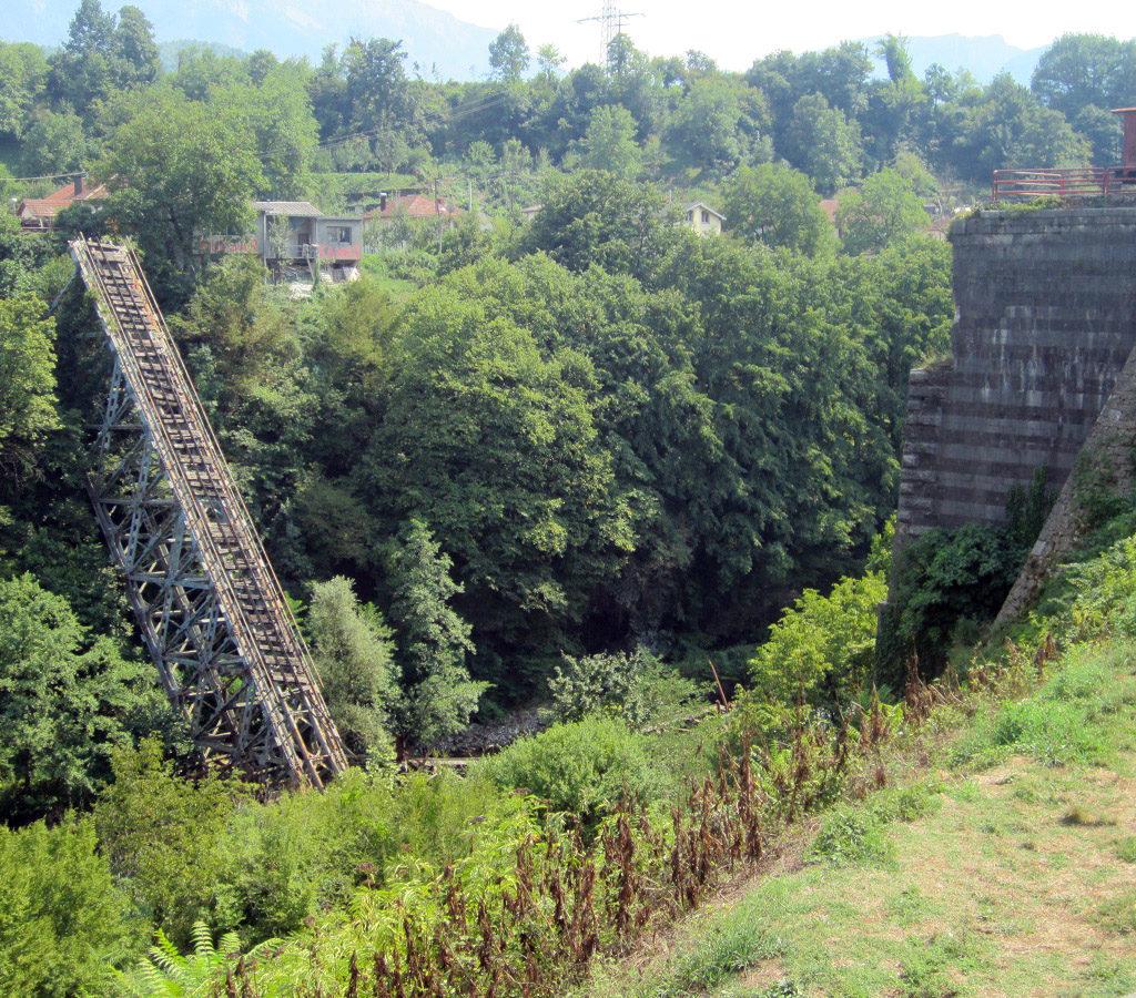 Puente Destruido En Jablanica (Bosnia)