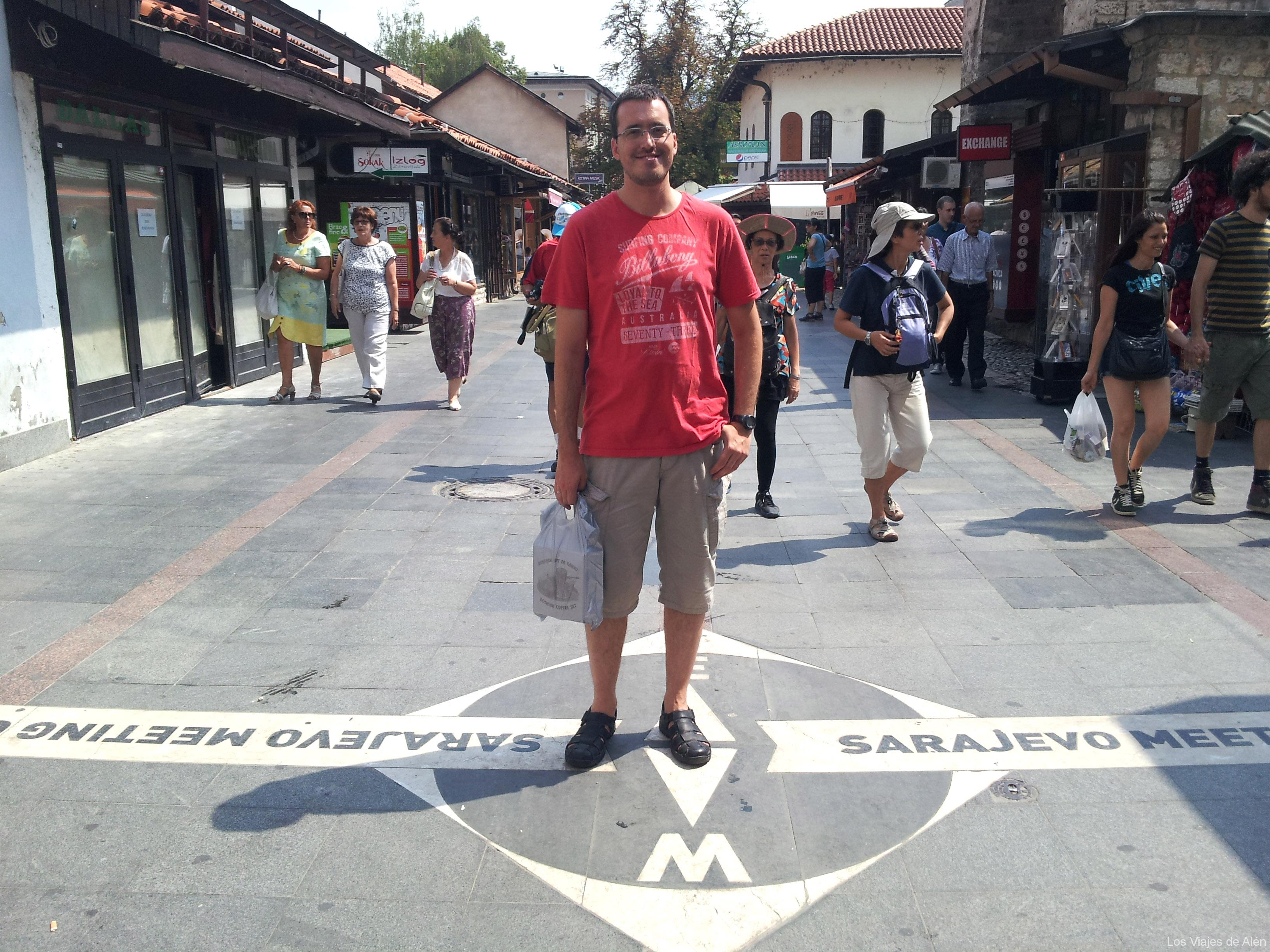 En Esta Otra Imagen, Yo Podría Esta En Una Calle De Estambul. Observad La Marca Del Suelo, Las Dos Fotos Son Del Mismo Lugar,  Pero Diferente Orientación