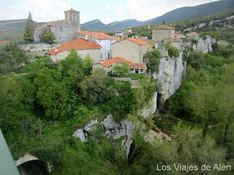 Vista del pueblo de Puentedey
